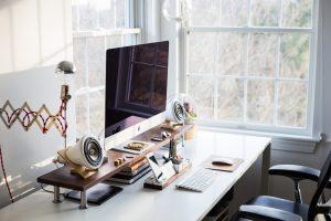 komputer na biurku